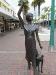 Statue Lady - Napier