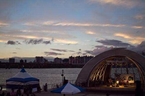 Rockdo, a rad (and, more importantly, free) outdoor music festival in Seoul, September 2012.