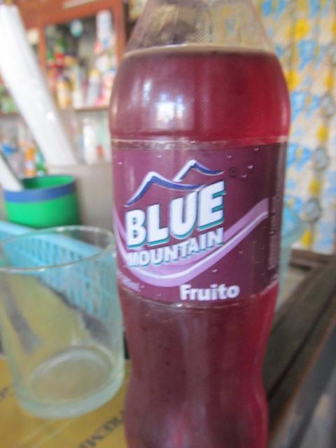 Blue Mountain fruito.  Weird.  4/10