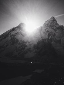 Sunrise over Everest - courtesy of Mads