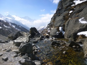 The walk out of Gokyo