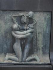 Frogner Park - Death becomes her