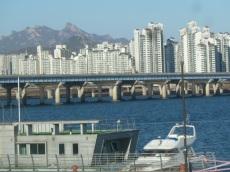 Han River - Bridge and Buiildings