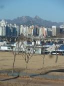 Han River - Mountains peeking out