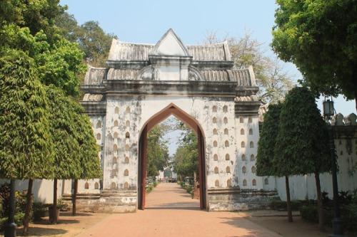 palace-lopburi-thailand