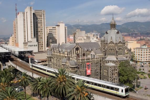Metro_de_Medellín,_Colombia